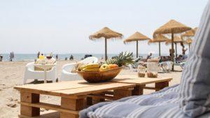 a-la-bartola-beach-descuento-en-tumbonas-con-invalencia