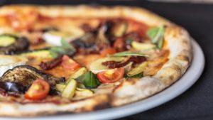 pizza-crujiente-al-pomodoro