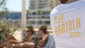 playa-de-valencia-con-chiriguito-a-la-bartola-beach